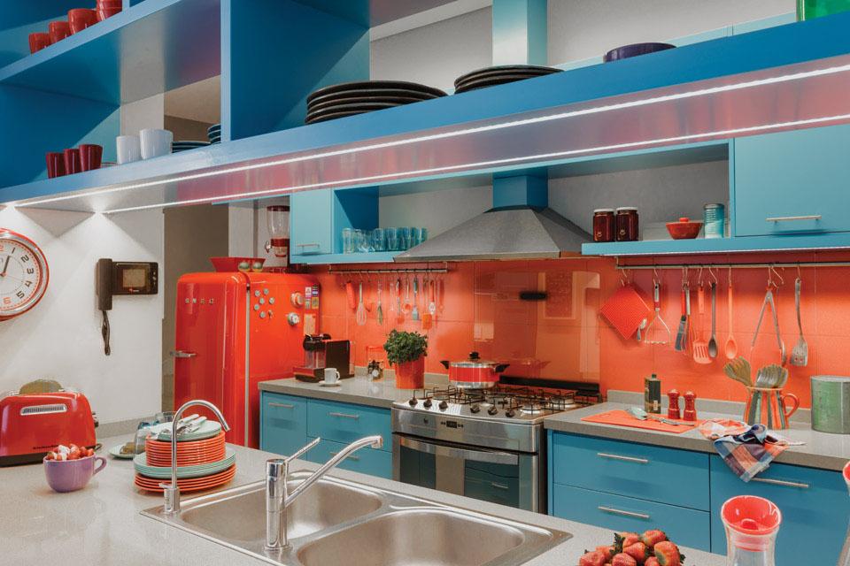 Azure-Blue-Red-Orange-Kitchen_1