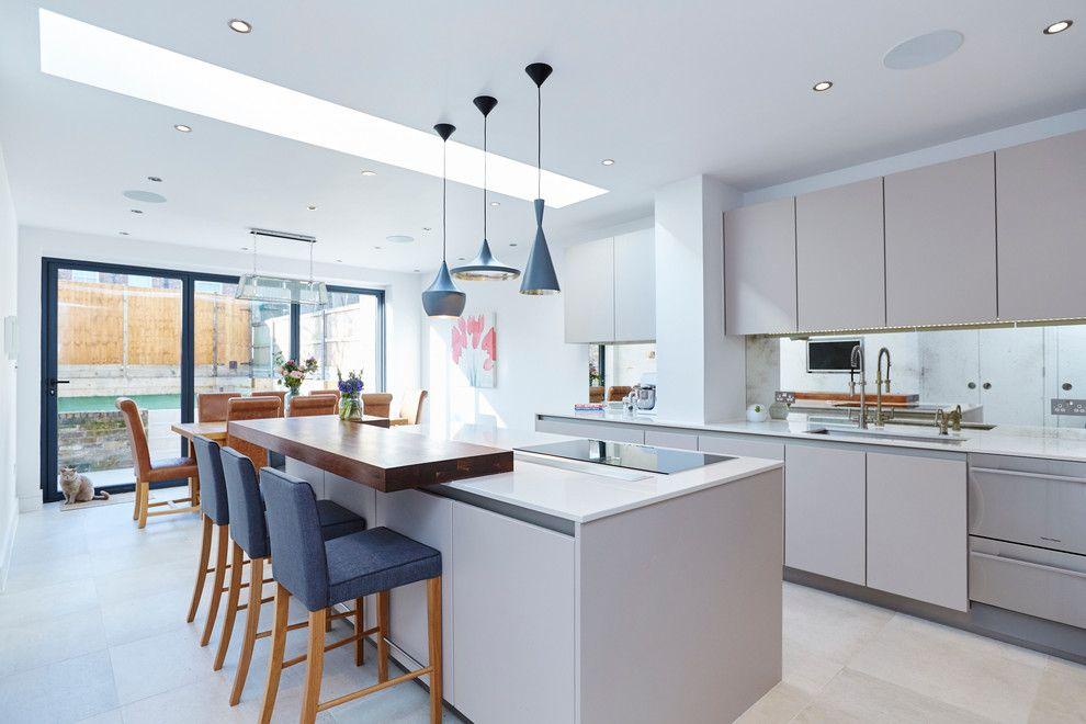 Дизайн на кухня с бар: тенденции за модерен и практичен интериор