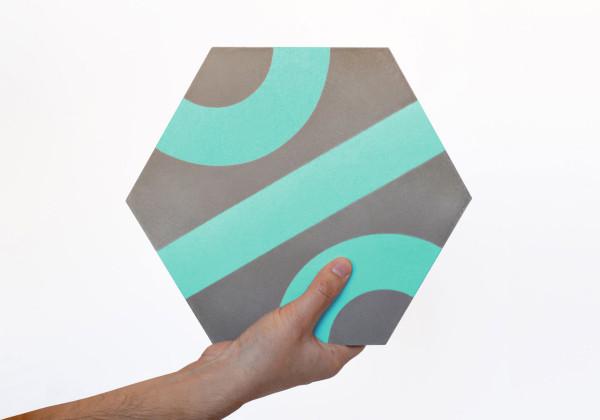 Цветна плочка с мултифункционална шарка