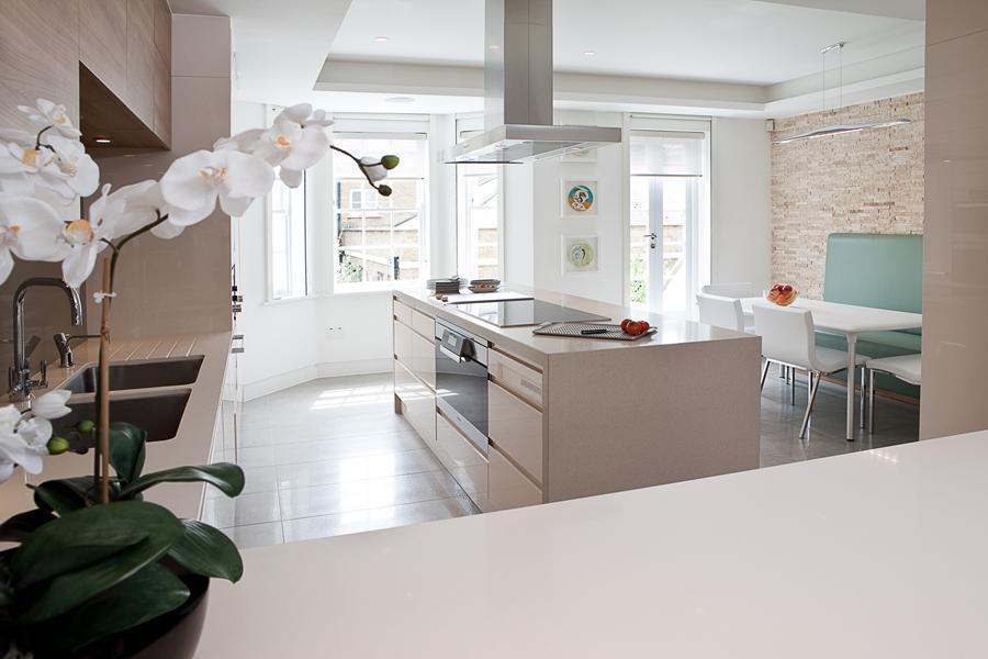Кухня в бежово: сдържаност или по-смели и нестандартни решения