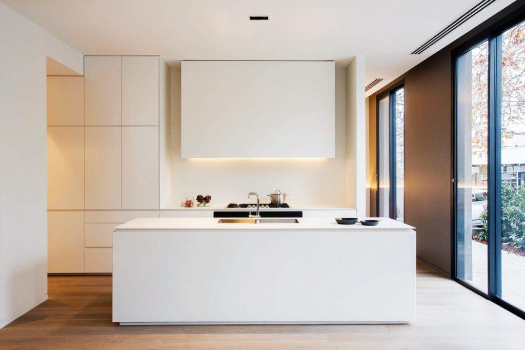 minimalist-kitchen-with-island