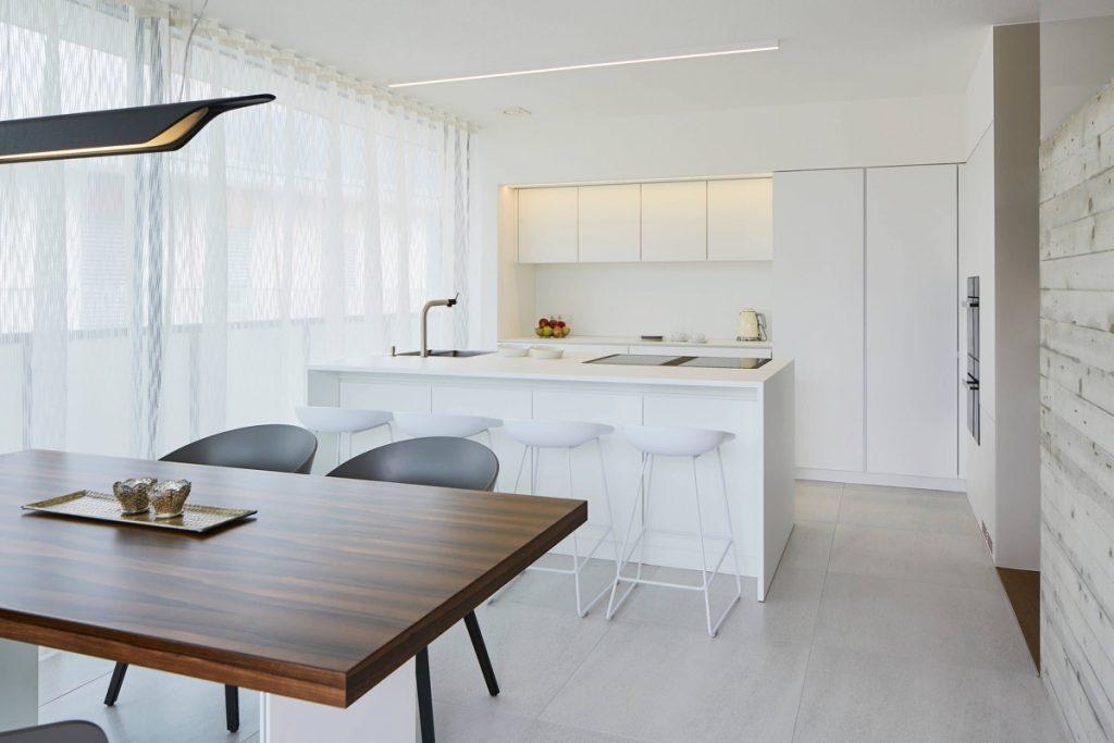 white-kitchen-stools